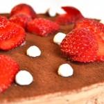 Cheesecake gelato al cioccolato e fragole